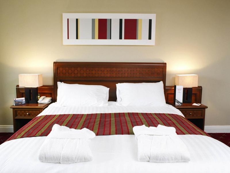 Mayo Hotels Hotels In Claremorris Mcwilliam Park Hotel